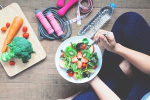 dietas mujer frutas deporte